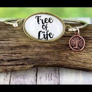 Jewelry - Tree of Life Dangle Charm Bracelet